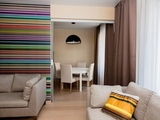 Яркий интерьер в прекрасной квартире