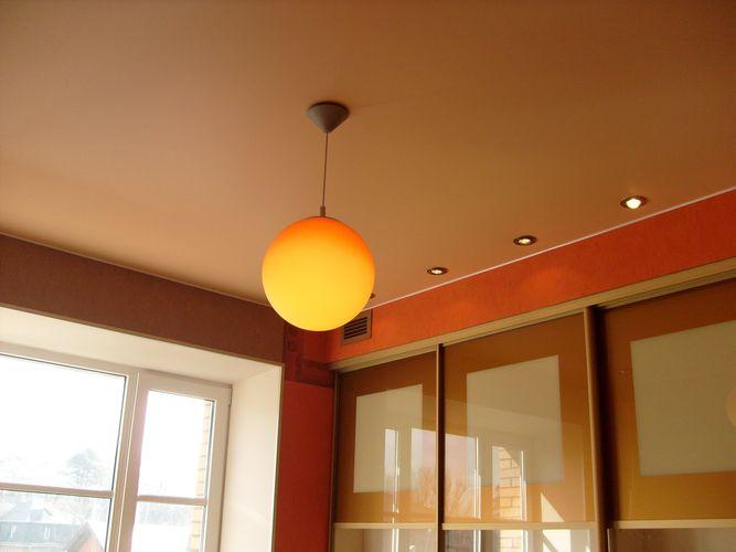 Дизайн натяжного потолка для квартиры