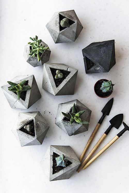 геометричные предметы декора
