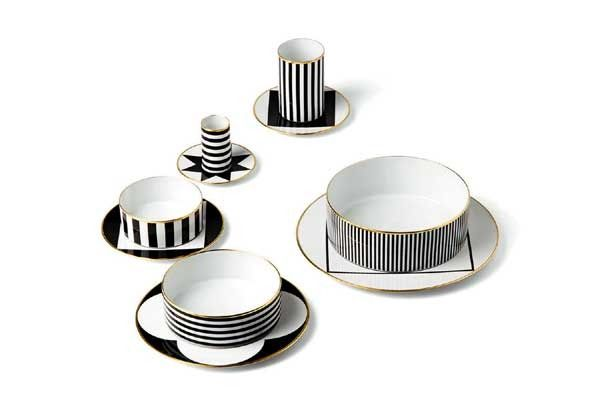 черно белый принт на посуде