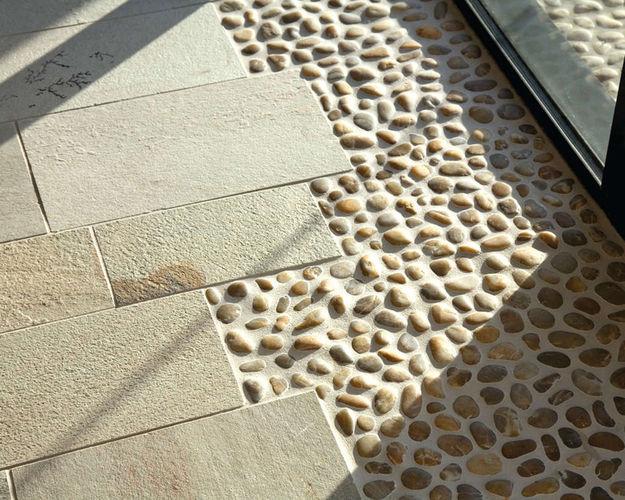 Камень в интерьере: декоративная облицовка стен