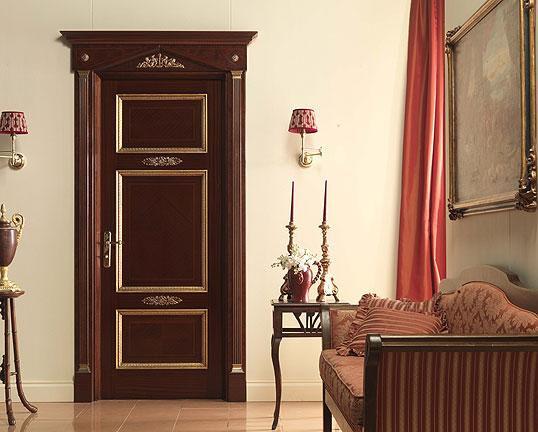 дверь металлическая белая в классическом стиле
