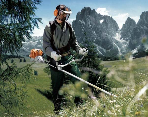 Делаем идеальный газон: мотокоса, газонокосилка, триммер
