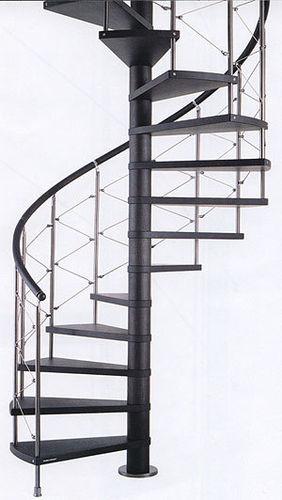 Монтаж и сборка винтовой лестницы