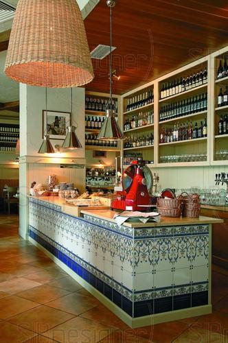 Интерьер итальянского ресторана Formaggi
