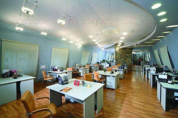 В целом офис состоит из большого зала, где сотрудники имеют отдельные рабочие места