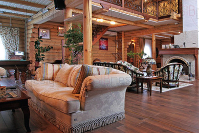 Деревянный дом в стиле эклектика