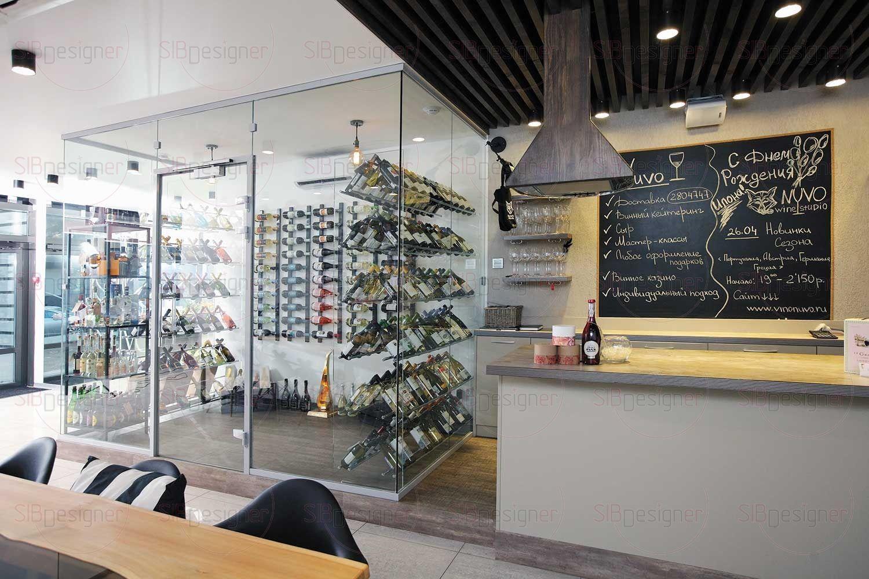 Обилие стекла в интерьере дарит помещению простор и легкость.