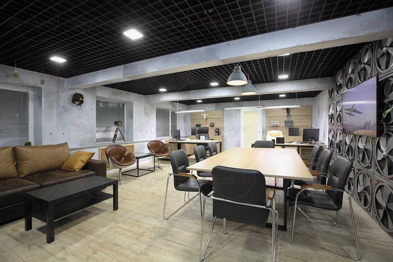 Пространство объединили в один общий кабинет. Потолочные балки перекрытий лишь условно делят его на зоны – входную, переговорную и рабочую.