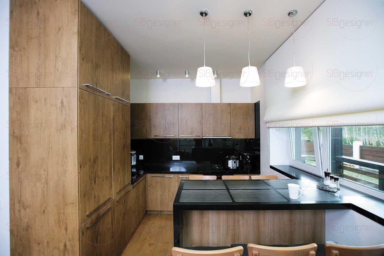 На кухне главенствует сочетание стильного черного глянца и фактуры теплого дерева.