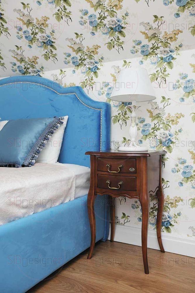 Кровать в синей бархатной обивке