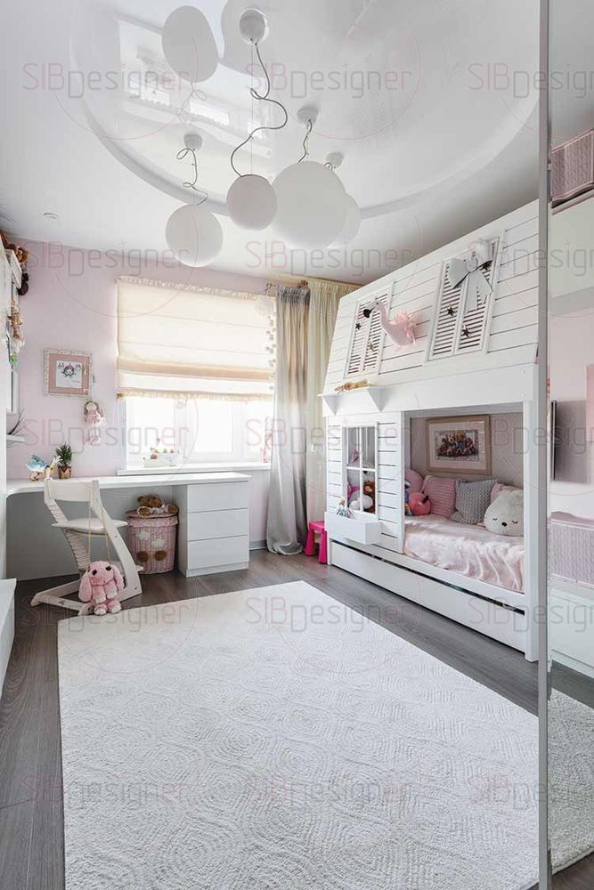 В детскую комнату было решено добавить розовые цвета. Они получились нежными и гармонирующими со всем интерьером целиком.