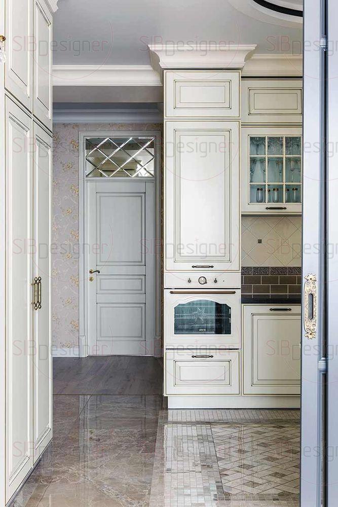 Кухня выполнена целиком в теплых оттенках.