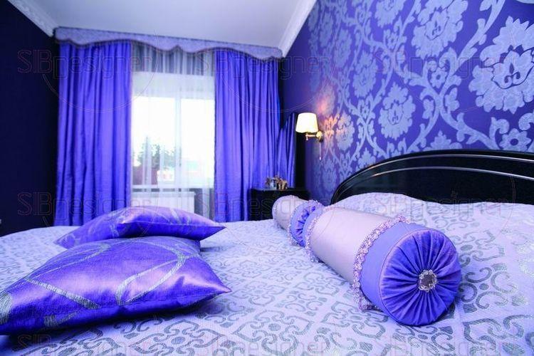 Спальня в темно-синих тонах