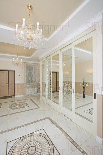 натуральный мрамор в коридоре