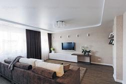 Просторный интерьер трехкомнатной квартиры