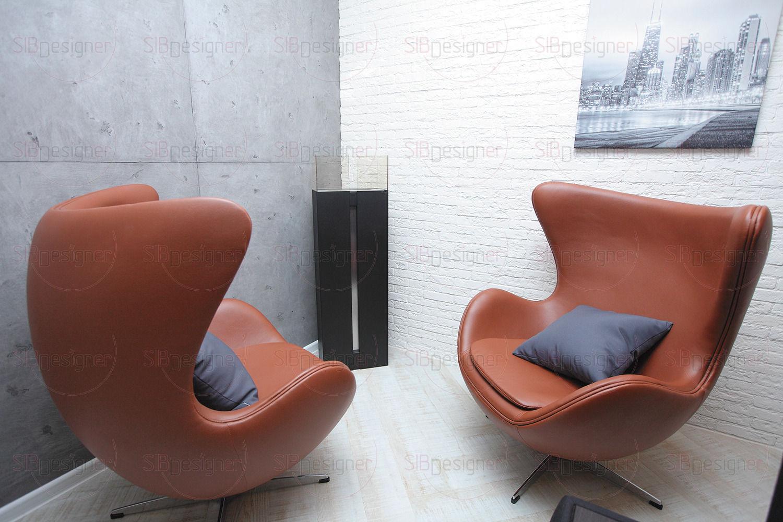 В гостиной оборудована небольшая lounge-зона с камином