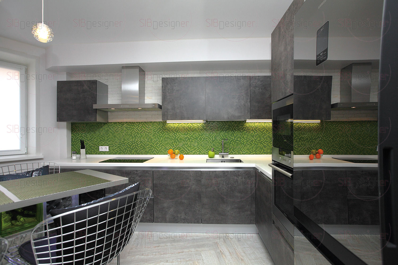 Интерьер квартиры выглядел бы утрированно мужским, если бы не отдельные акценты в виде сочных салатовых оттенков