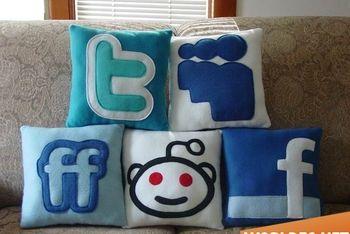 Социальные подушки
