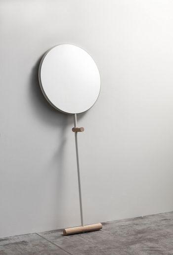 Зеркало-вешалка