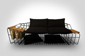 Ночью – диван, днем – столик
