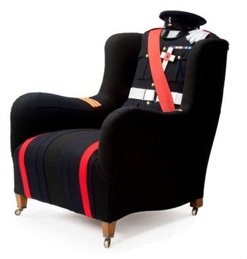 Кресло в пальто