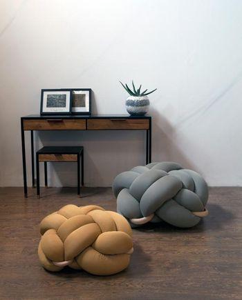 Кресло, завязанное узелком