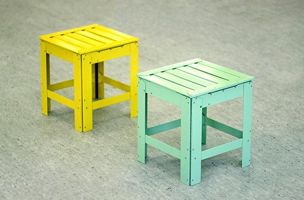 желтый и мятно-зеленый стулья