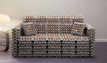 Диван из яиц